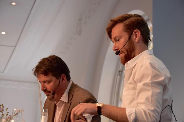 Marcus Klasson, Lunds Universitet, och Johan Wester, Komiker, förbereder sig inför Science Slam på Almedalsveckan 2016